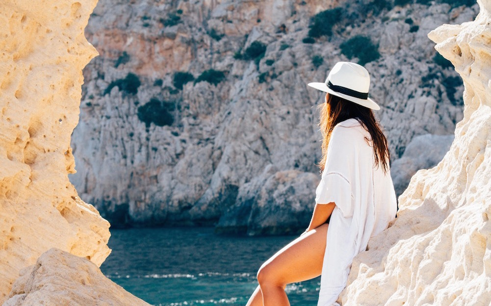 Summer Travel Got You Feeling Heavy? Lighten Up With Our Favorite Healthy Travel Tips