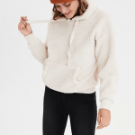 The Southern Well Being's Holiday Gift Guide featured by top US wellness blogger, Elizabeth Finch Wellness: image of Sherpa hoodie
