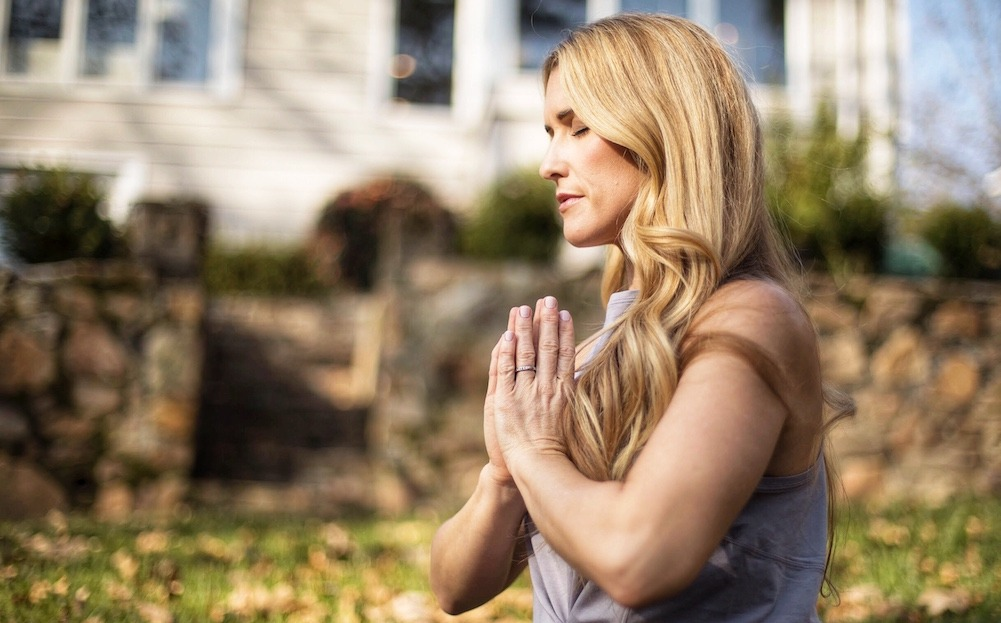 How To Stay Centered Throughout The Holiday Season featured by top US wellness blogger, Elizabeth Finch Wellness