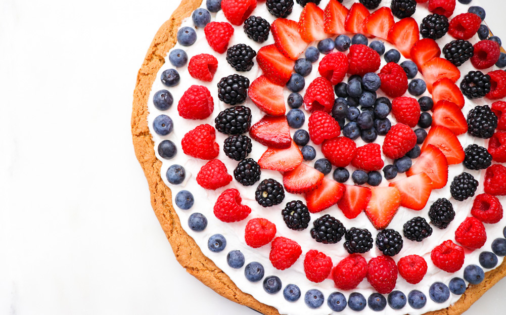Patriotic Dessert Ideas: 4th of July Fruit Cookie Pizza Recipe