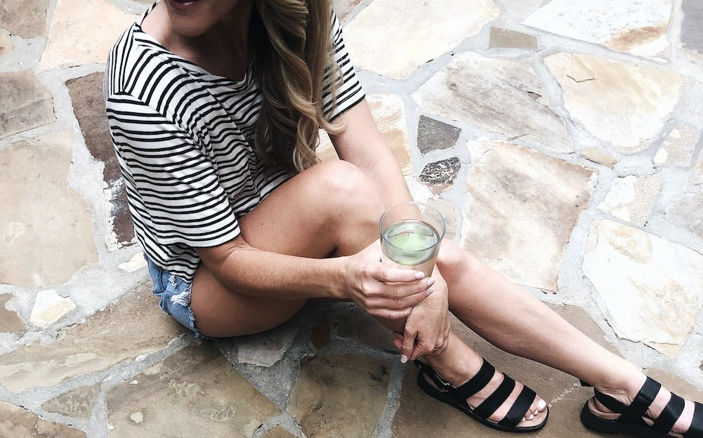 as a motivation to bump that 'drink more water' thing a bit higher up on your priority list, I'm sharing 7 ways dehydration keeps you from looking and feeling your best.