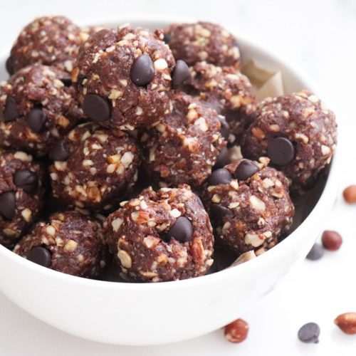 Healthy Snack Ideas: Fudge Brownie Protein Bites Recipe featured by top US wellness blogger, Elizabeth Finch Wellness